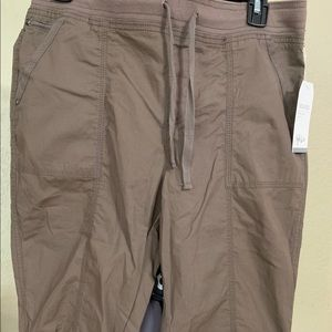 Style & Co. Brown Capris NWT